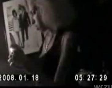 Amy Winehouse pali crack! (wideo)